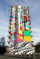 Nederland Amsterdam 2017 . De Bijlmer. Muurschildering van Rimon Guimaraes.  Foto Berlinda van Dam / Hollandse Hoogte