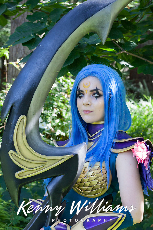 Dark Valkyrie Diana from League Of Legends cosplay by Blood Raven, Pax Prime 2015, Seattle, Washington State, WA, America, USA.