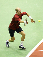 25-2-06, Netherlands, tennis, Rotterdam, ABNAMROWTT,  Nikolay Davydenko in action against Radek Stepanek