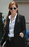 """SANDRA BULLOCK ON LOCATION SHOOTING THE SEQUEL TO """"MISS CONGENIALITY"""".<br /> 21ST BETWEEN 8TH AND 9TH AVE, NEW YORK CITY. 07/08/2004<br /> Photo By John Barrett/PHOTOlink /MediaPunch"""