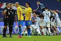 10th July 2021, Estádio do Maracanã, Rio de Janeiro, Brazil. Copa America tournament final, Argentina versus Brazil;  Argentina celebrate