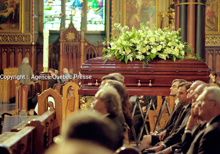 Montreal. CANADA -   May 31, 2000    File Photo  -  the funerals of hockey player Maurice Richard  celebrated by Jean-Claude Turcotte  at Notre-Dame Basilica,<br /> <br /> File Photo : Agence Quebec Pressse - Pierre Roussel