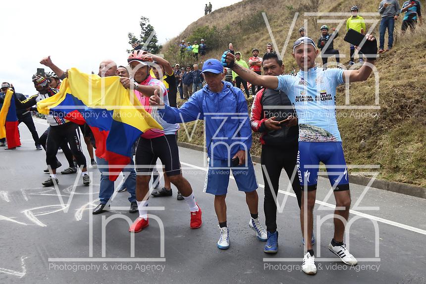 TUNJA - COLOMBIA, 15-02-2020: Aficionados al ciclismo durante la quinta etapa del Tour Colombia 2.1 2020 con un recorrido de 180,5 km que se corrió entre Paipa, Boyacá, y Zipaquirá, Cundinamarca. / Cycling supporters during the fifth stage of 180,5 km as part of Tour Colombia 2.1 2020 that ran between Paipa, Boyaca, y Zipaquirá, Cundinamarca.  Photo: VizzorImage / Darlin Bejarano / Cont