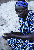 MALI Bougouni, fair trade and organic cotton project,, farmer in traditional Boubou clothes / MALI, Bougouni, fairtrade Biobaumwolle Projekt - Salif Mékené Bagayoko, Biofarmer und Praesident der Kooperative des Dorf Faragouaran
