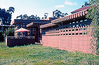 """F.L. Wright: Usonian Display House. (See """"Sussman House Project"""", p. 115 in """"Realm of Ideas"""" Catalog. Photo 2005."""