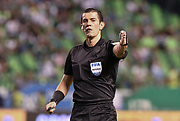 PALMIRA - COLOMBIA, 08-02-2020: Andres Rojas, arbitro, durante partido entre Deportivo Cali y América de Cali por la fecha 4 de la Liga BetPlay DIMAYOR I 2020 jugado en el estadio Deportivo Cali de la ciudad de Palmira. / Andres Rojas, referee, during match between Deportivo Cali and America de Cali for the date 4 as part of BetPlay DIMAYOR League I 2020 played at Deportivo Cali stadium in Palmira city . Photo: VizzorImage / Gabriel Aponte / Staff