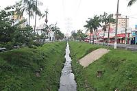 Campinas (SP), 10/01/2020 - Trecho do corrego na avenida Orosimbo Maia em Campinas com a rua Paula Bueno.