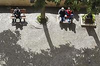 Tra i vicoli si incontrano poesie scolpite sui muri del paese e sculture realizzate sulla roccia da artisti di tutto il mondo.<br /> Distante 70 chilometri da Roma, porta d'ingresso al parco naturale regionale dei Monti Simbruini, che rappresenta la più grande area protetta della regione Lazio, il centro abitato comunale di Cervara posto a 1.053 m s.l.m. risulta essere il più alto della città metropolitana di Roma e il secondo del Lazio dopo Filettino.