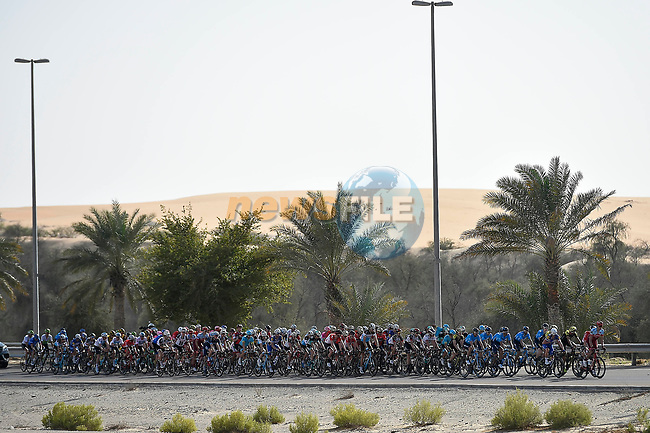 The peleton in action during Stage 1 of the 2018 Abu Dhabi Tour, Al Fahim Stage running 189km from Madinat Zayed to Adnoc School, Abu Dhabi, United Arab Emirates. 21st February 2018.<br /> Picture: LaPresse/Fabio Ferrari | Cyclefile<br /> <br /> <br /> All photos usage must carry mandatory copyright credit (© Cyclefile | LaPresse/Fabio Ferrari)