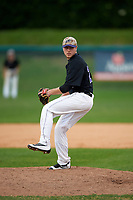 Niagara University Purple Eagles relief pitcher Matt McCuen (29) delivers a pitch during a game against the Ohio State Buckeyes on February 20, 2016 at Holman Stadium at Historic Dodgertown in Vero Beach, Florida.  Ohio State defeated Niagara 10-7.  (Mike Janes/Four Seam Images)