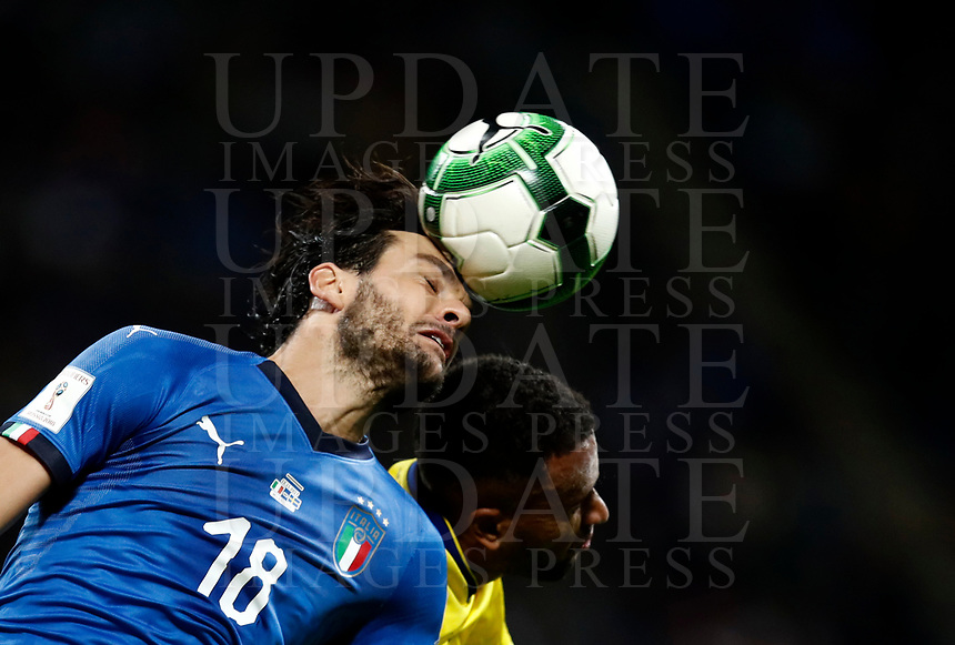Soccer Football - 2018 World Cup Qualifications - Europe - Italy vs Sweden - San Siro, Milan, Italy - November 13, 2017 <br /> Italy's Marco Parolo (l) in action with Sweden's Isaac Kiese Thelin (r) during the FIFA World Cup 2018 qualification football match between Italy and Sweden at the San Siro Stadium in Milan on November 13, 2017.<br /> UPDATE IMAGES PRESS/Isabella Bonotto