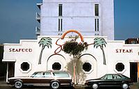San Diego: Mission Beach Restaurant.   (Photo 1987)