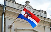 CROATIA, Pakrac, croatian national flag / KROATIEN, Pakrac, kroatische Nationalflagge mit Schachbrettmuster