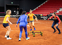 The Hague, The Netherlands, Februari 4, 2020,  Sportcampus , FedCup  Netherlands - Balarus, Dutch team practise, Playing spike ball, ltr: Kiki Bertens her coach Elise Tamaela, Arantxa Rus and Captain Paul Haarhuis.<br /> Photo: Tennisimages/Henk Koster