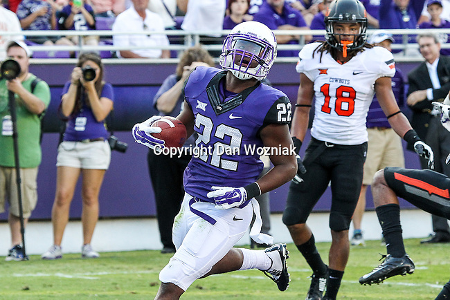TCU Horned Frogs running back Aaron Green (22) in action during the game between the OSU Cowboys and the TCU Horned Frogs at the Amon G. Carter Stadium in Fort Worth, Texas. TCU defeated OSU 42 to 9.