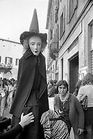 - women's manifestation  (Milan, 1976)<br /> <br /> - manifestazione femminista  (Milano, 1976)