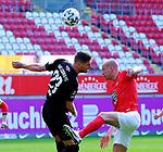 Fussball - 3.Bundesliga - Saison 2020/21<br /> Kaiserslautern -  Fritz-Walter-Stadion 03.04.2021<br /> 1. FC Kaiserslautern (fck)  - FC Halle (hal) 3:1<br /> Stipe VUCUR (hal), li - Adam HLOUSEK (1. FC Kaiserslautern)<br /> <br /> Foto © PIX-Sportfotos *** Foto ist honorarpflichtig! *** Auf Anfrage in hoeherer Qualitaet/Aufloesung. Belegexemplar erbeten. Veroeffentlichung ausschliesslich fuer journalistisch-publizistische Zwecke. For editorial use only. DFL regulations prohibit any use of photographs as image sequences and/or quasi-video.