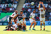 5th June 2021; Mattioli Woods Welford Road Stadium, Leicester, Midlands, England; Gallagher Premiership Rugby, Leicester Tigers versus Bristol Bears; Ben Youngs of Leicester Tigers box kicks clear under pressure from Dave Attwood of Bristol Bears