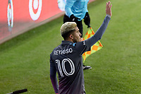 ST PAUL, MN - OCTOBER 28: Emanuel Reynoso #10 of Minnesota United FC prepares for a corner kick during a game between Colorado Rapids and Minnesota United FC at Allianz Field on October 28, 2020 in St Paul, Minnesota.