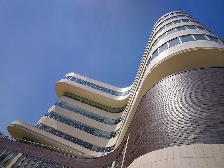 Cleveland VA Hospital C.A.R.E.S. Tower at Wade Park | Architects: Cannon Design