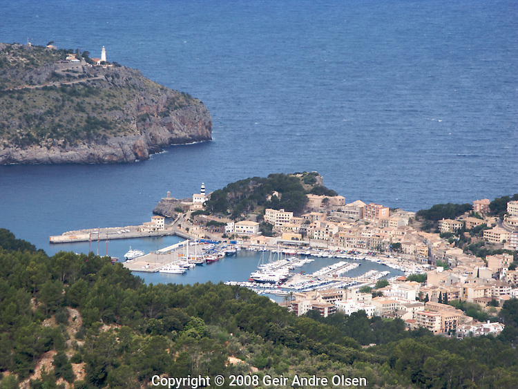 View of Port Soller from Mirador de ses Barques on the way up to Puig Major, Majorca´s highest mountain. Spain