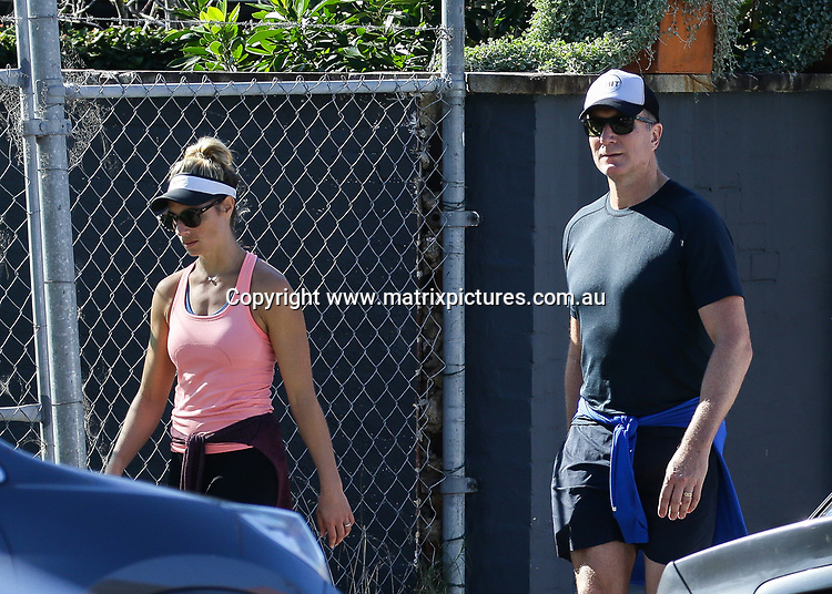 Simon Wiggle And Wife Lauren Hannaford Spotted Shopping For Groceries While Using Hand Sanitiser In Clovelly Matrixpictures Au