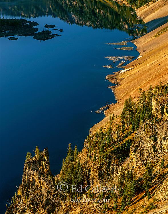 Shoreline, Crater Lake National Park Oregon
