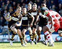 Photo: Richard Lane/Richard Lane Photography. London Wasps v Gloucester Rugby. Aviva Premiership. 01/04/2012. Wasps' Tom Prydie attacks.