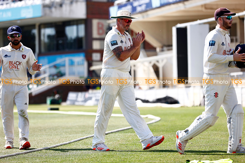 Darren Stevens of Kent applauds the fans as he leaves the field during Kent CCC vs Worcestershire CCC, LV Insurance County Championship Division 3 Cricket at The Spitfire Ground on 7th September 2021