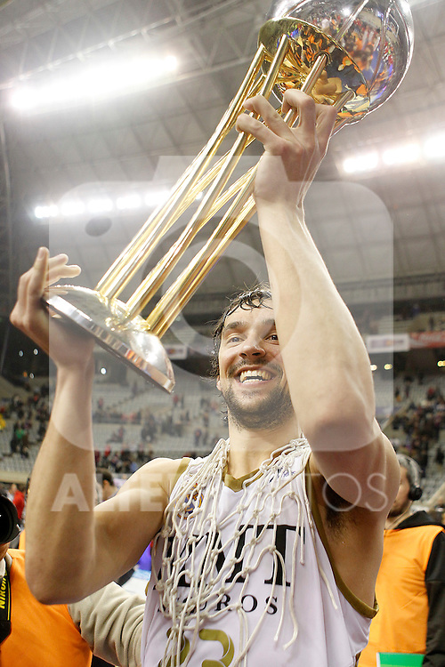 Real Madrid's Sergio LLull celebrates the victory in the Spanish Basketball King's Cup Final match.February 19,2012. (ALTERPHOTOS/ALFAQUI/Acero)