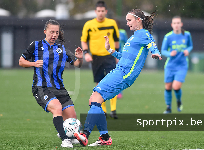 Brugge's Jody Vangheluwe pictured  in a duel with Union's Maelis Henneuse during a female soccer game between the women teams of Club Brugge YLA Dames and Union Saint-Ghislain Tertre-Hautrage Ladies on the 1/16 th qualifying round for the Belgian Womens Cup 2020  2021 , on saturday 26 th of September 2020  in Brugge , Belgium . PHOTO SPORTPIX.BE   SPP   DAVID CATRY