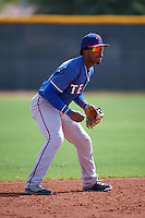 Texas Rangers Yeyson Yrizarri (4) during an instructional league game against the Seattle Mariners on October 5, 2015 at the Surprise Stadium Training Complex in Surprise, Arizona.  (Mike Janes/Four Seam Images)
