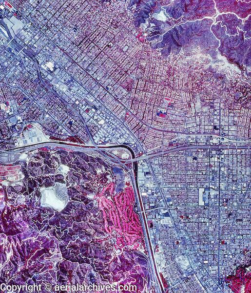 historical infrared aerial photograph of Burbank, California, 1989
