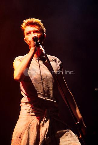 David Bowie October 21, 1995. Credit: Jay Blakesberg/MediaPunch