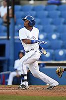 Dunedin Blue Jays shortstop Dawel Lugo (31) at bat during a game against the Bradenton Marauders on April 14, 2015 at Florida Auto Exchange Stadium in Dunedin, Florida.  Bradenton defeated Dunedin 7-1.  (Mike Janes/Four Seam Images)