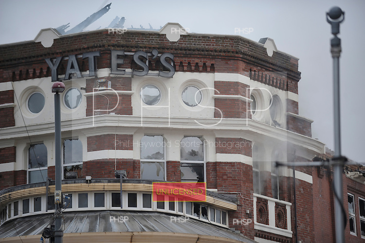 Yates's Fire 15/02/09..Smoke still billows from Yates's ,Talbot Sq Blackpool