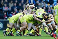 Photo: Richard Lane/Richard Lane Photography. Wasps v Leicester Tigers. Aviva Premiership. 08/01/2017. Wasps' Matt Symons and Matt Mullan in a maul.