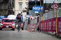 Vincenzo Nibali (ITA/Trek-Segafredo) finishing in front of the Duomo in Milan<br /> <br /> 104th Giro d'Italia 2021 (2.UWT)<br /> Stage 21 (final ITT) from Senago to Milan (30.3km)<br /> <br /> ©kramon