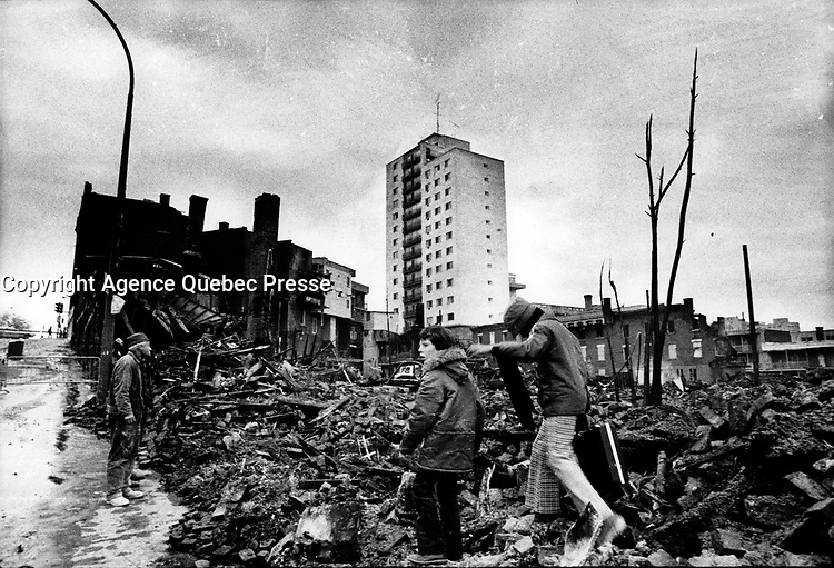 The - aftermath of the 60 hours illegal strike from October 31 to November 3, 1974, by Montreal 2400 firemen following the failure of negociation for a better and fair salary. <br /> <br /> Over 140 buildings burned.<br /> <br /> PHOTO : Alain Renaud - Agence Quebec Presse