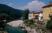 Slowenien, Kanal, Altstadt und Soca
