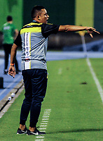 BARRANCABERMEJA - COLOMBIA, 11-11-2020: Cesar Torres, tecnico de Alianza Petrolera durante partido Alianza Petrolera y Atletico Nacional, de la fecha 19 por la Liga BetPlay DIMAYOR 2020 en el estadio Daniel Villa Zapata en la ciudad de Barrancabermeja. / Cesar Torres, coach of Alianza during a match between Alianza Petrolera and Atletico Nacional, of the 19th date for the BetPlay DIMAYOR League 2020 at the Daniel Villa Zapata stadium in Barrancabermeja city. Photo: VizzorImage  / Jose D. Martinez / Cont.