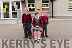 Tom  Ó Muirecheartaigh and Hugo Kougl with Eve de Bhailís (rang 2) whostarted school this year at Scoil an Ghleanna.