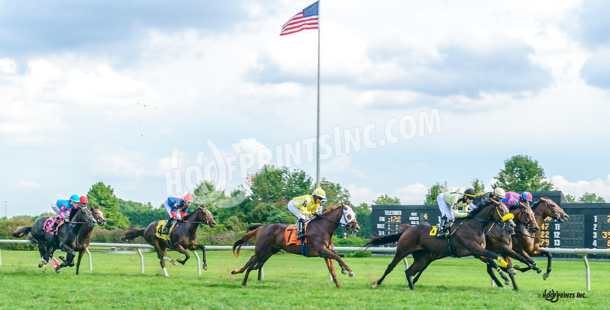 Triple Tiara winning at Delaware Park on 10/4/21
