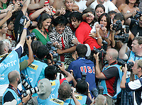 U.S. Michael Phelps is congratulated by his mother Debbie after setting the new world record clocking 49.82 in the Men's 100m Butterfly final at the Swimming World Championships in Rome, 1 August 2009..UPDATE IMAGES PRESS/Riccardo De Luca