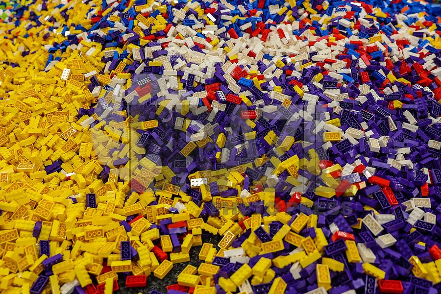 NOVA YORK,USA, 14.02.2018 - LEGO-NOVA YORK - Montagem da exposição Lego Live no Pier 36 em Manhattan na cidade de Nova York nesta quarta-feira, 14. O evento para fans de Lego acontece de 16 a 18 de fevereiro. (Foto: Vanessa Carvalho/Brazil Photo Press)