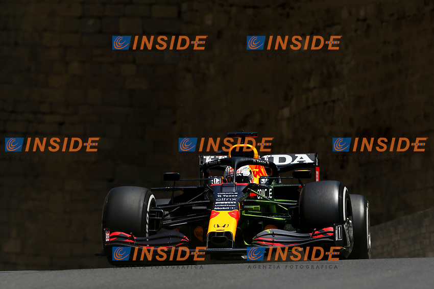 33 VERSTAPPEN Max (nld), Red Bull Racing Honda RB16B, action during the Formula 1 Azerbaijan Grand Prix 2021 from June 04 to 06, 2021 on the Baku City Circuit, in Baku, Azerbaijan - <br /> FORMULA 1 : Grand Prix Azerbaijan <br /> 05/06/2021 <br /> Photo DPPI/Panoramic/Insidefoto <br /> ITALY ONLY