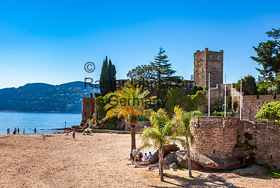 Frankreich, Provence-Alpes-Côte d'Azur, Mandelieu-la-Napoule: Plage du Château und Burg La Napoule | France, Provence-Alpes-Côte d'Azur, Mandelieu-la-Napoule: beach Plage du Château and castle La Napoule