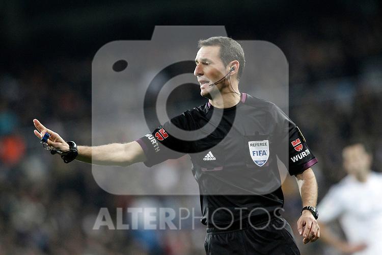 Spanish referee Carlos Clos Gomez during La Copa match.February 5,2014. (ALTERPHOTOS/Acero)