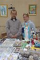 Iraq 2014 Christians selling small christian statues in Shaqlawa            Irak 2014 Chretiens de Shaqlawa vendant des statuettes religieuses