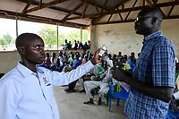 UGANDA, Arua, Radio Pacis, Aufnahme im Rhino Camp Refugee Settlement mit Nuer und Dinka Fluechtlingen aus dem Suedsudan